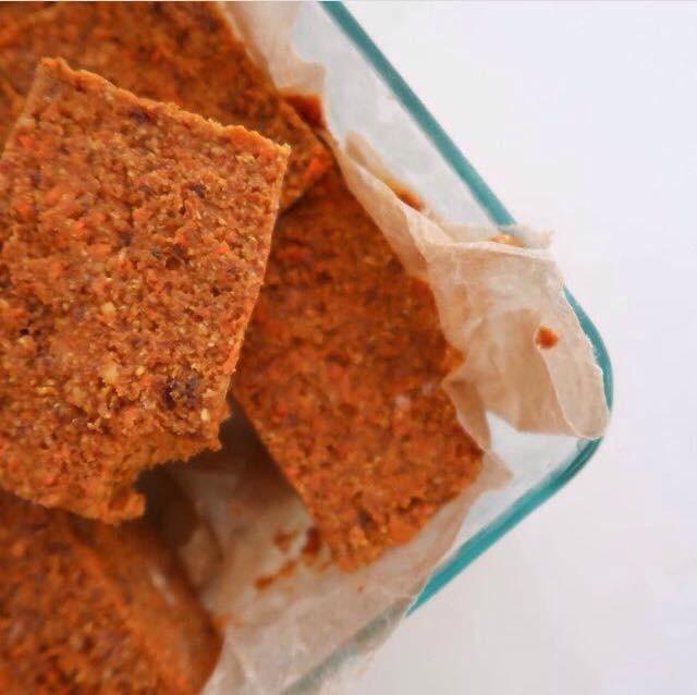 Vegan Raw Carrot Cake