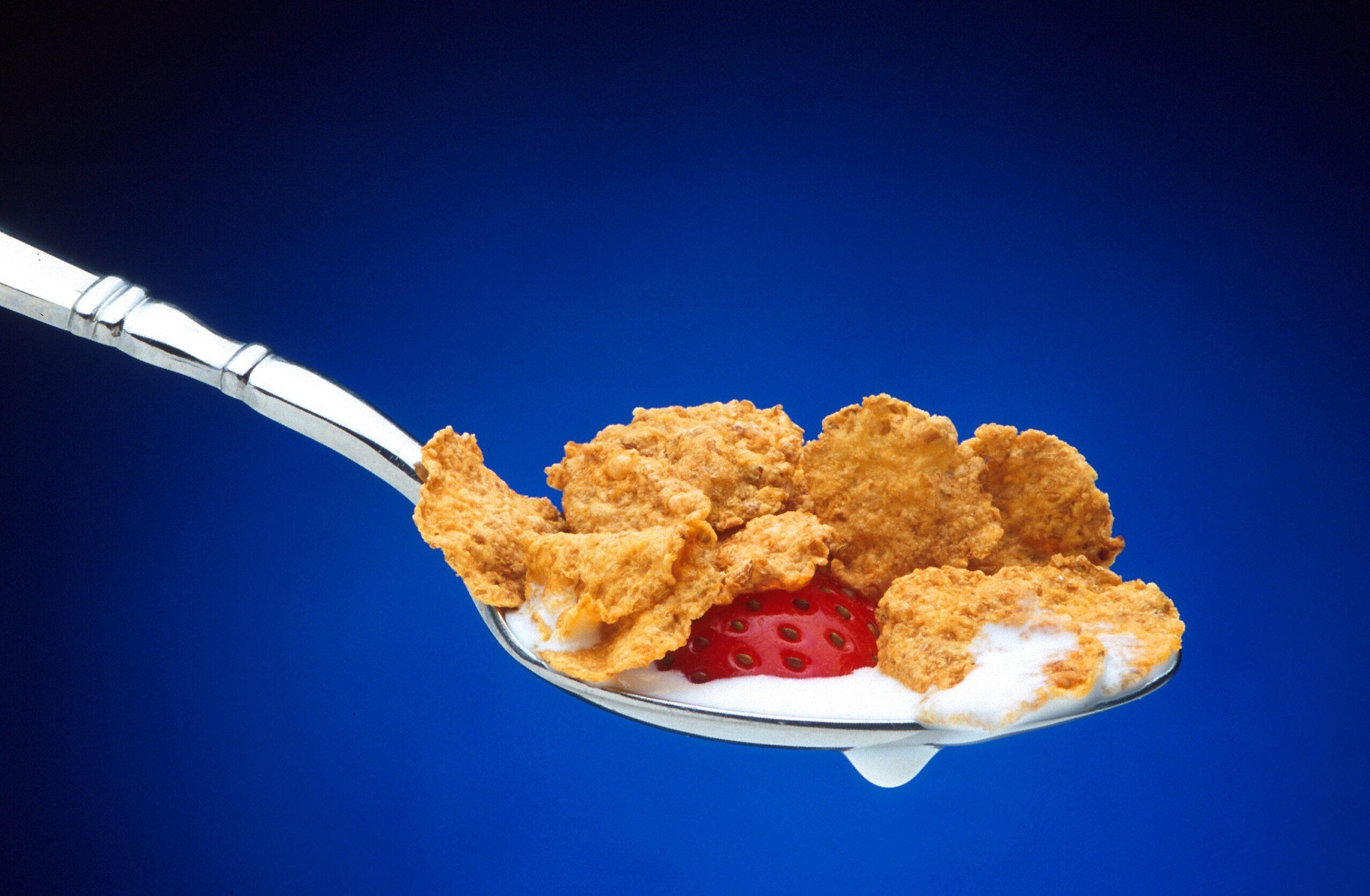 cereal-cornflakes-food-milk