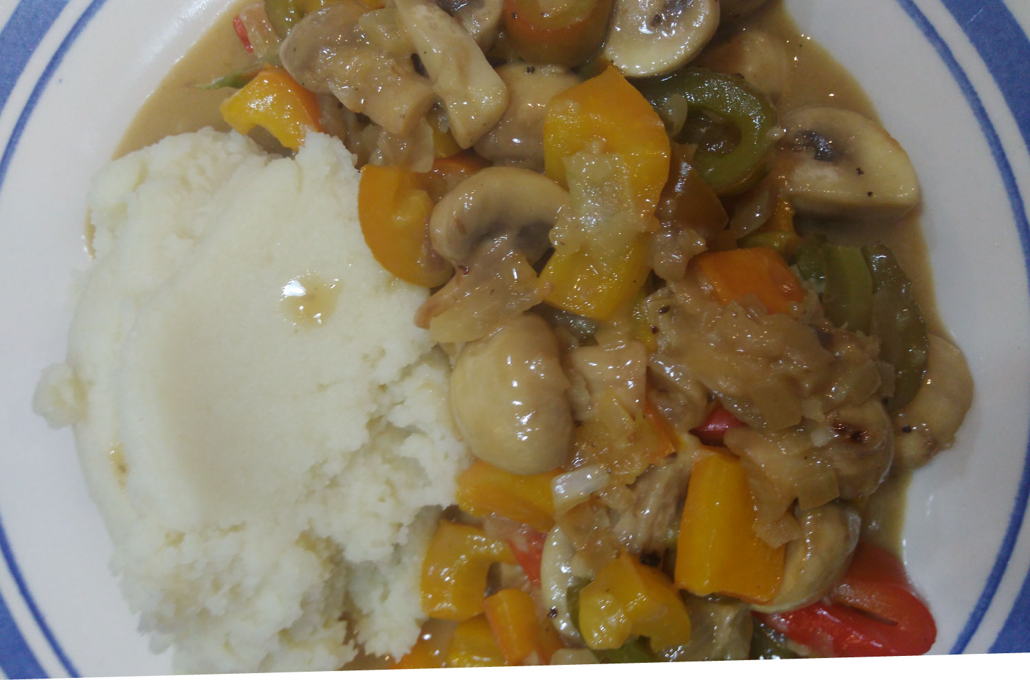 doryne-abela-Mushroom-and-Pepper-Stroganoff