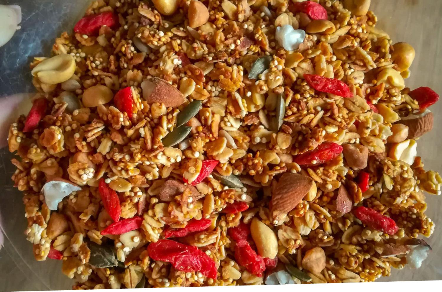 ramona-debono-Crunchy-Quinoa-Granola-mix