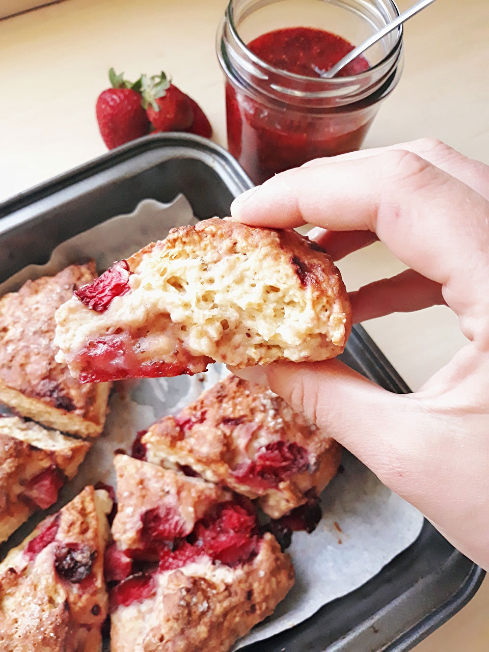Vegan-strawberry-lemon-scones-with-chia-jam-michaela-zakova