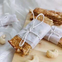 Apricot and cashew protein bars