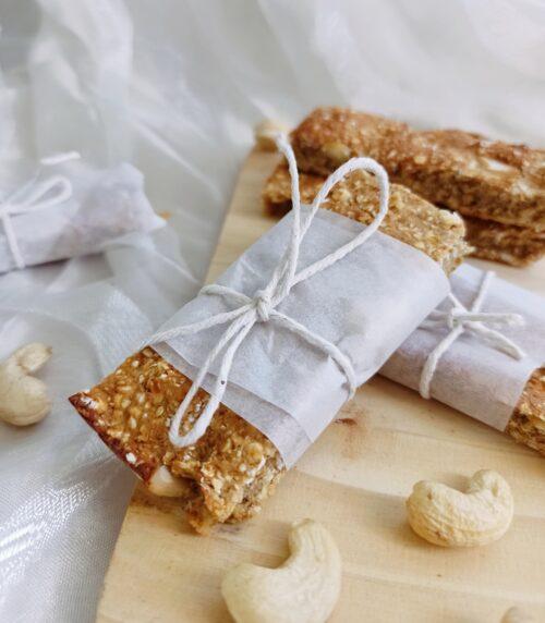 Cashew apricot protein bars