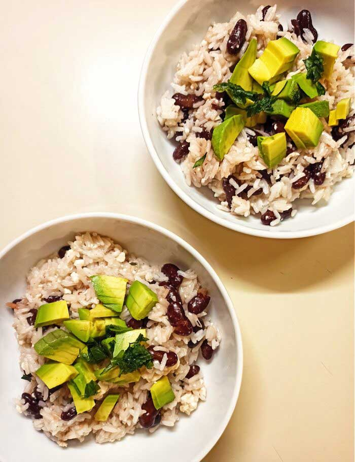 Coconut-rice-with-kidney-beans-vegan-recipe