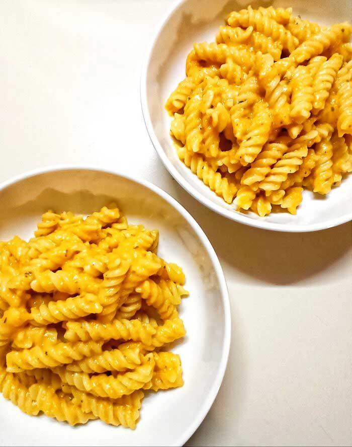 blender-carrot-sauce-pasta