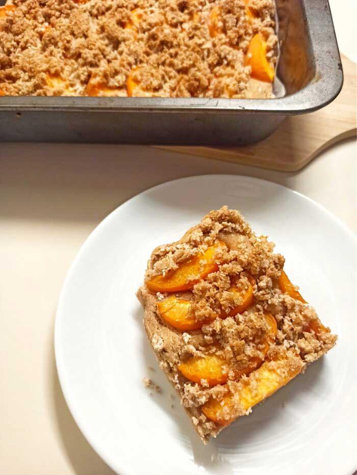 vegan-apple-crumble-cake