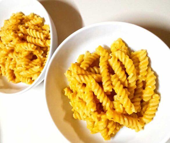 vegan-blender-carrot-sauce-pasta