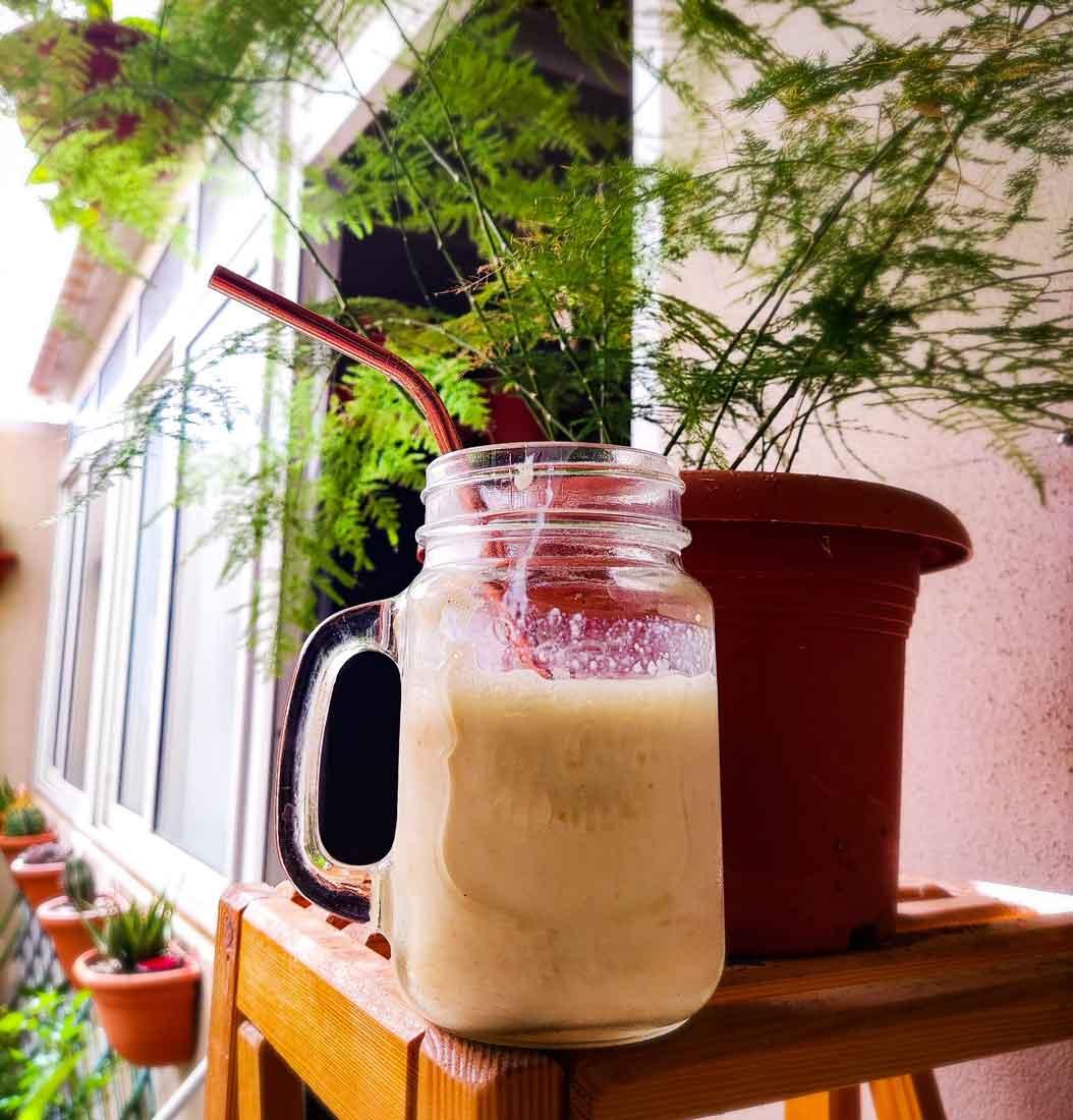 High-protein-Vanilla-Frosty-vegan-drink
